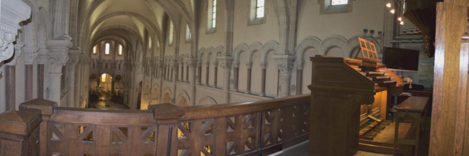 Console du grand orgue de Saint Pierre de Neuilly.