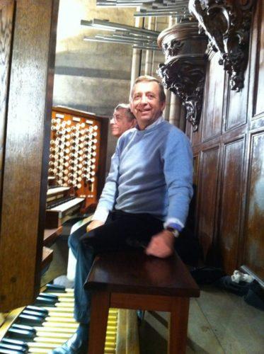 Philippe Sauvage à la console de Notre Dame de Paris.