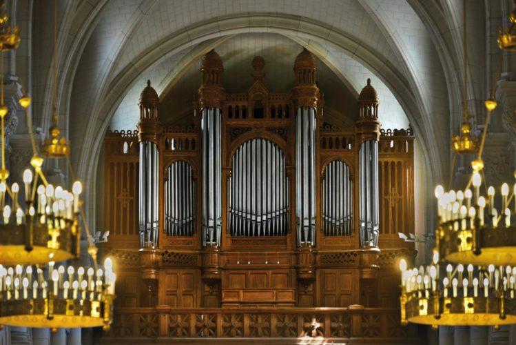 Grand orgue de Saint Pierre de Neuilly.