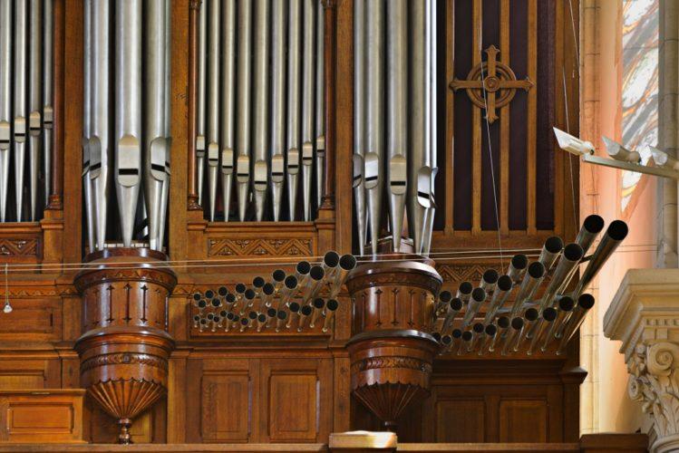 Grand orgue de Saint Pierre de Neuilly jeux de chamades.